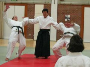 Kancho Inoue beim Aikidospielen